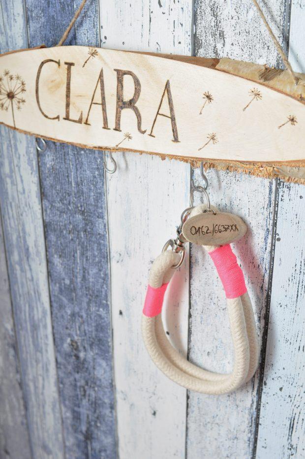 Halsband an Garderobe